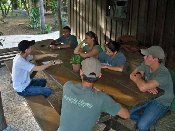 Segurança é tema de reunião na Estância Mimosa