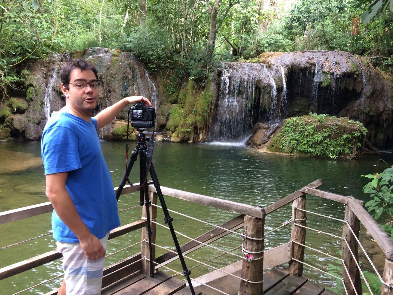 Tales Azzi, jornalista e editor da Revista Viaje Mais, na Estância Mimosa